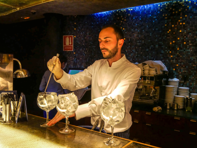 gin menu indigo Restaurant Girona f