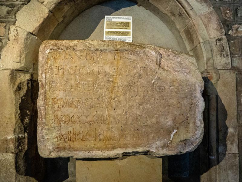 Steinplatte grab Guifre Borrell sant pau del camp barcelona