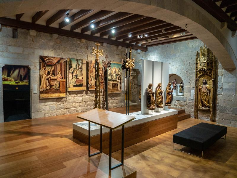 museu d art girona frau freibeuter reisen kunstmuseum