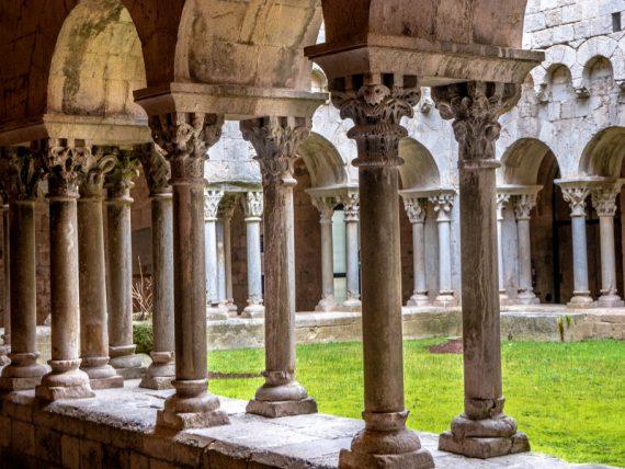 sant pere de galligants kreuzgang kloster girona freibeuter reisen