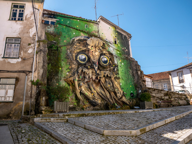Bordalo II Street Art Wool fest in Covilhã