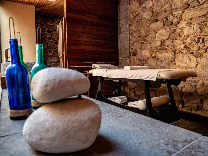 mindful travel costa brava freibeuter reisen banys romans girona