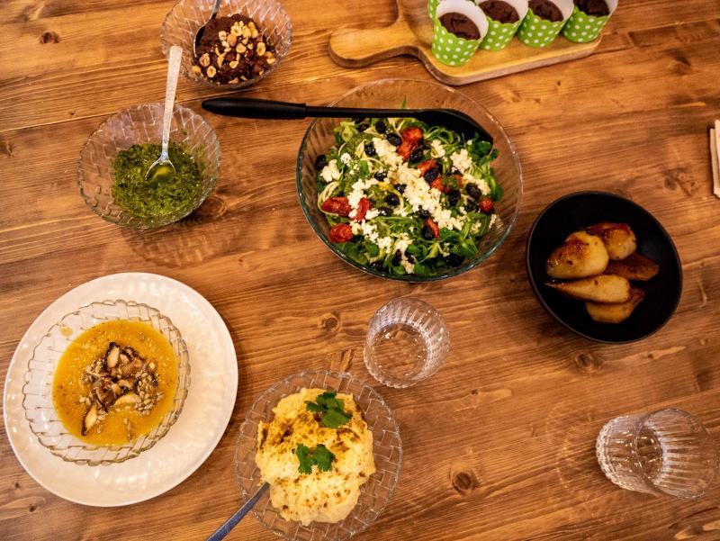 mindful travel costa brava freibeuter reisen local market girona gesund kochen