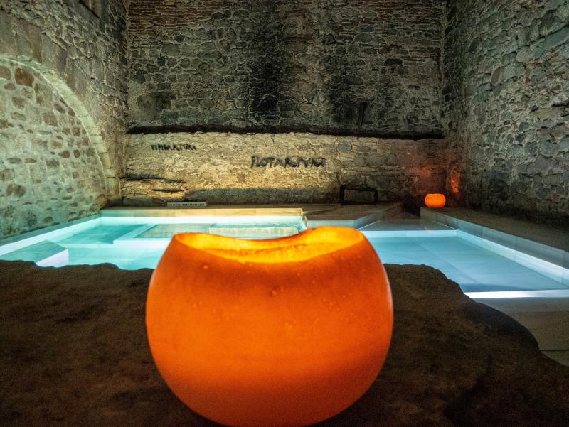 mindful travel costa brava freibeuter reisen roemisch bad thermalbad wellness girona