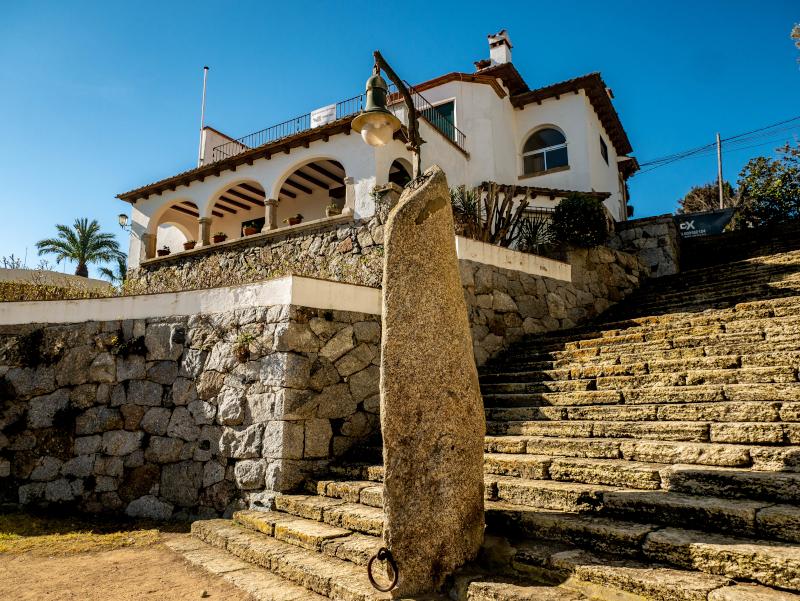 S'Agaró cami de ronda platja d aro freibeuter reisen menhir hinkelstein