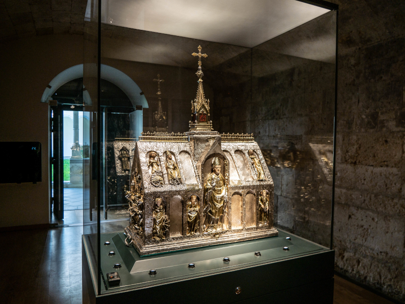 banyoles kirche monestir sant esteve museum