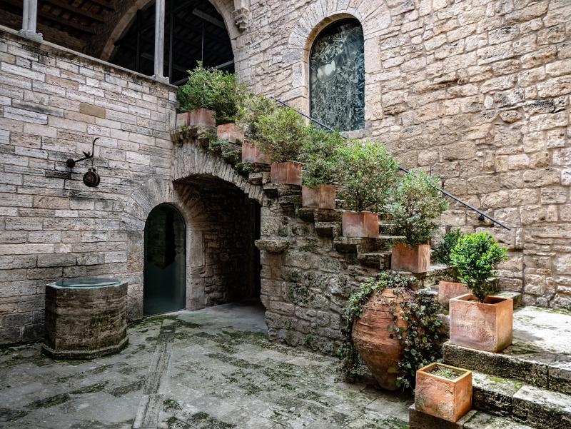 banyoles pia almoina arachaeologisches museum
