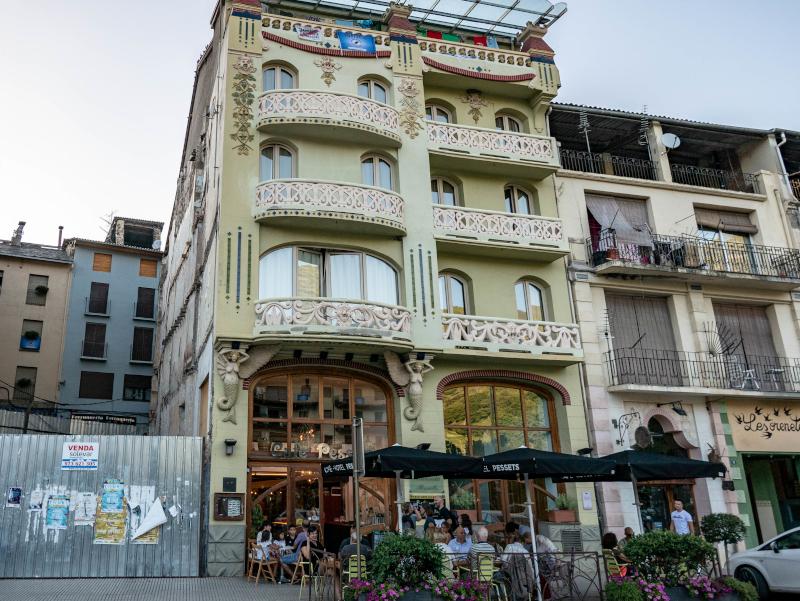 ehemaliges hotel pessets sort museum der freiheit
