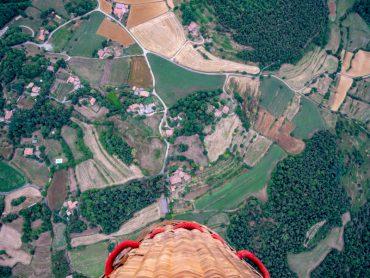 vulkanlandschaft heißluftballon la garrotxa