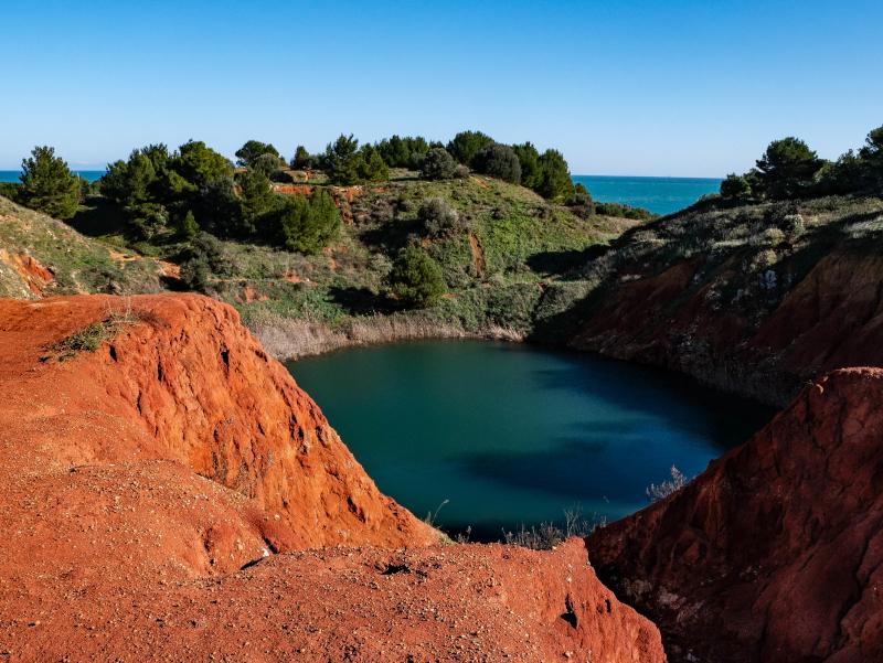 spiel der farben Bauxit Grube Otranto Laghetto Cave di Bauxite