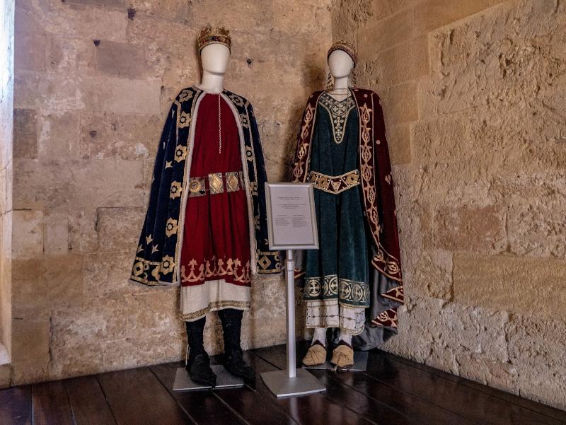 Kleidung castelo Gioia del colle