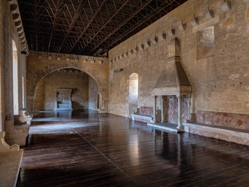 castelo Gioia del colle thronsaal