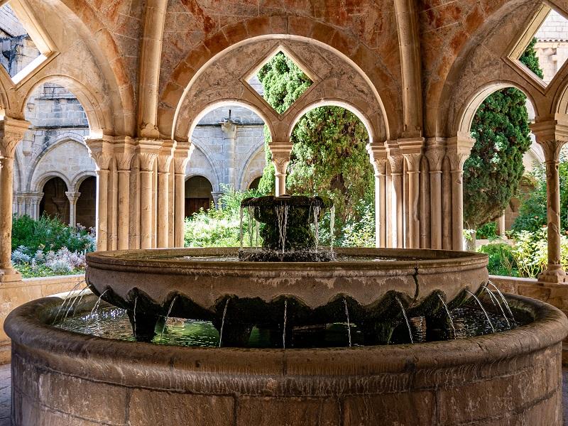 Brunnen im Kreuzgang Kloster Poblet