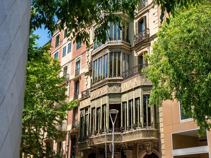 rückseite palau baro de quadras barcelona