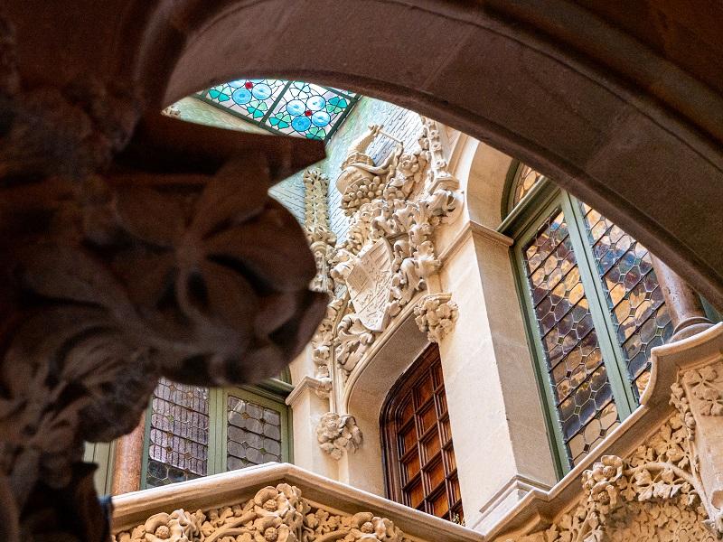 treppenhaus palau baro de quadras barcelona