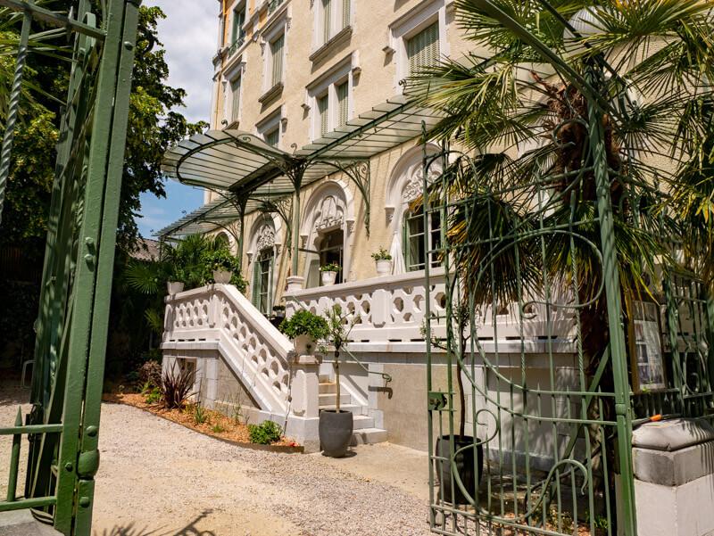 hotel bristol pau