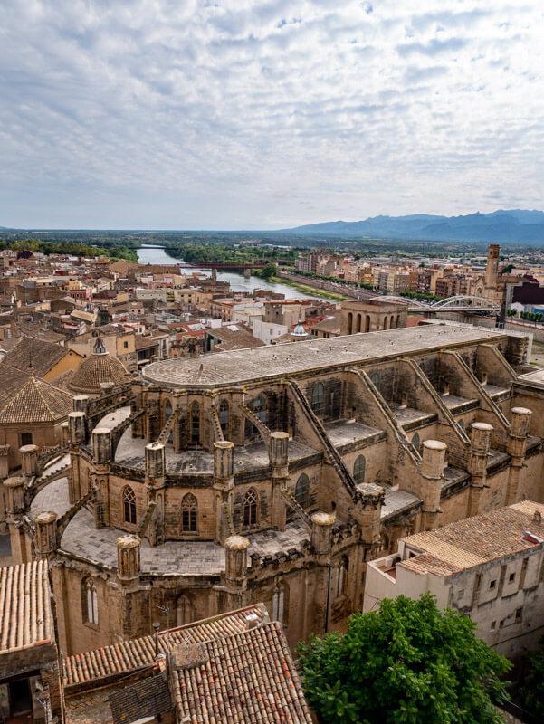 tortosa blick vonder burg auf die kathedrale