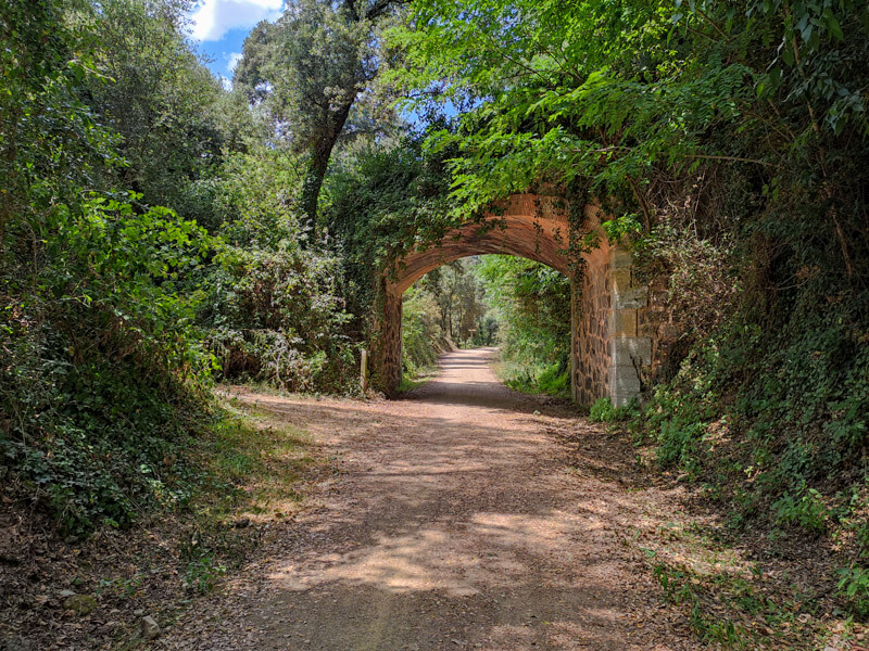 carrilet-girona-olot-tunnel