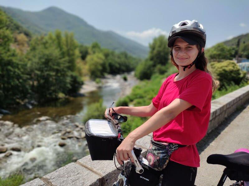 lina mit fahrrad in amelie les bains
