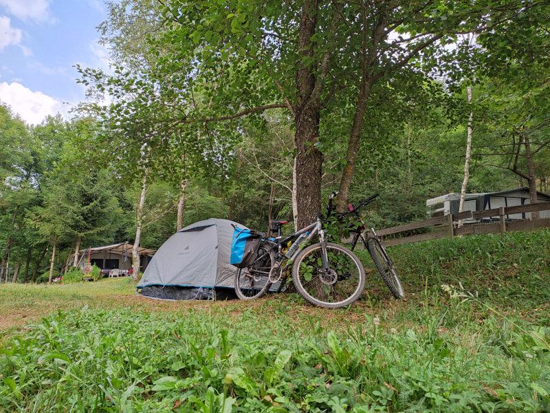 zelt und fahrrad camping