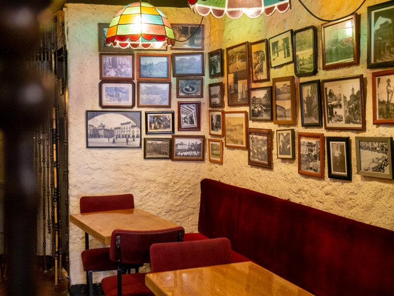 Vic plaça Major bar