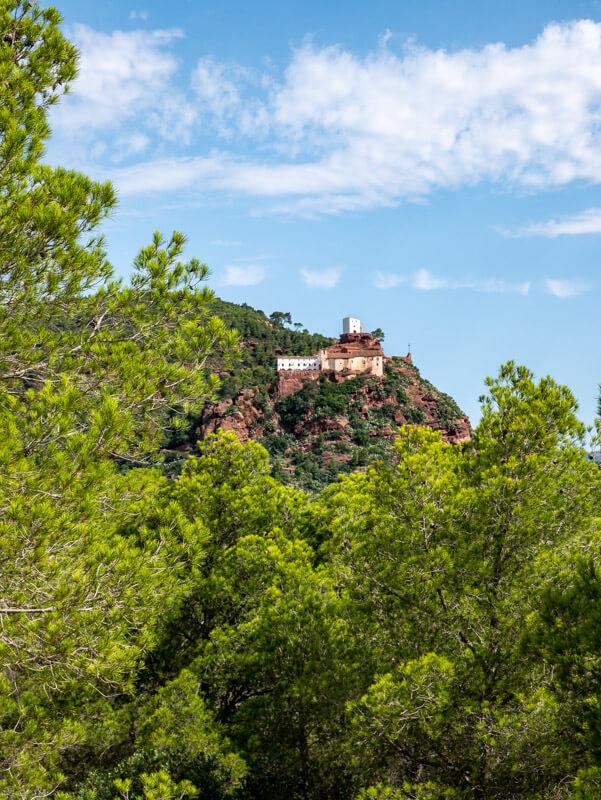 ermita de la mare de deu de la roca sant ramon mont roig