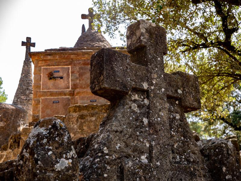 olius cementeri modernista