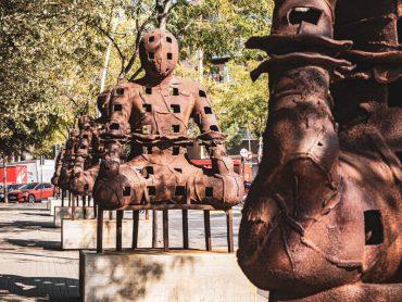barcelona stadtfuehrung deutsch Guide poblenou Los Guardianes